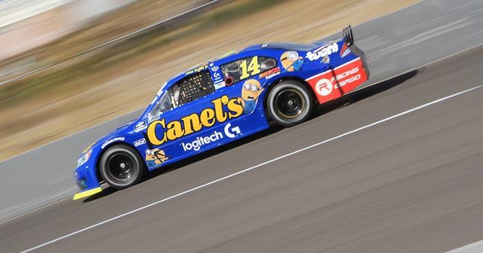 Alex de Alba Jr. trabaja para tener un buen cierre de NASCAR en Puebla