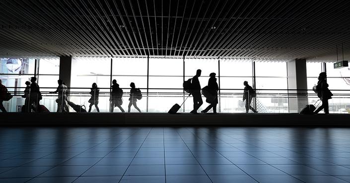 Podrán turistas de EU volver a Europa en el verano