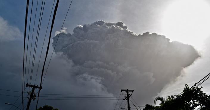 Se preparan en San Vicente por nuevas erupciones volcánicas